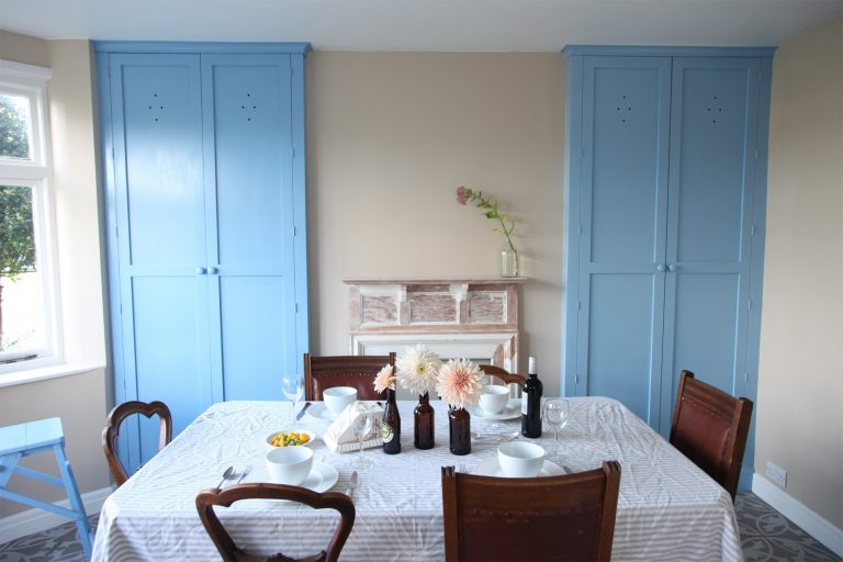 Country style dining room cupboards