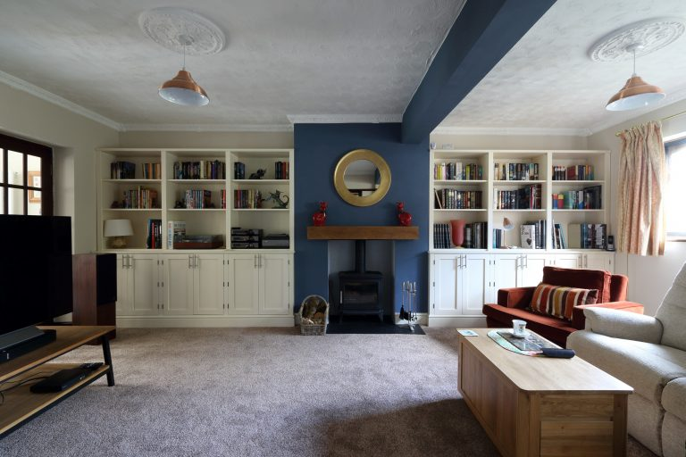 Alcove-fitted Jali dressers in sitting room