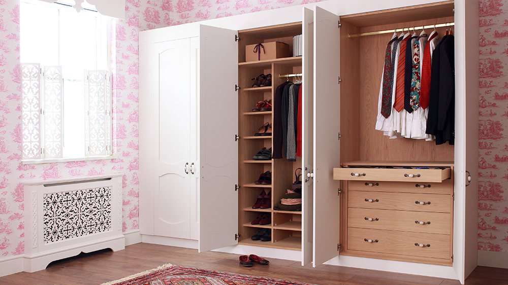 wardrobes made to measure with painted or veneer finishes. Black Bedroom Furniture Sets. Home Design Ideas